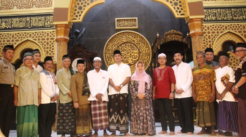 Plt Bupati Subuh Bersama dan Tandatangani Prasasti Masjid Jami' Wali Perkasa Desa Pekiringan